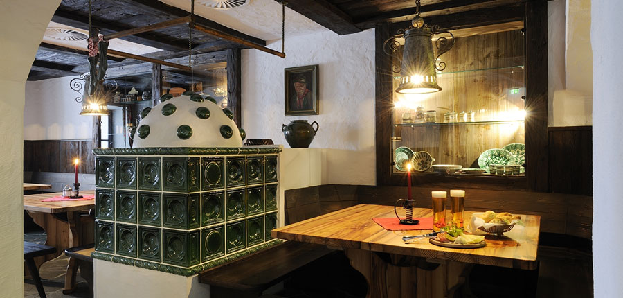 austria_saalbach_hotel_saalbacher_hof_dining.jpg